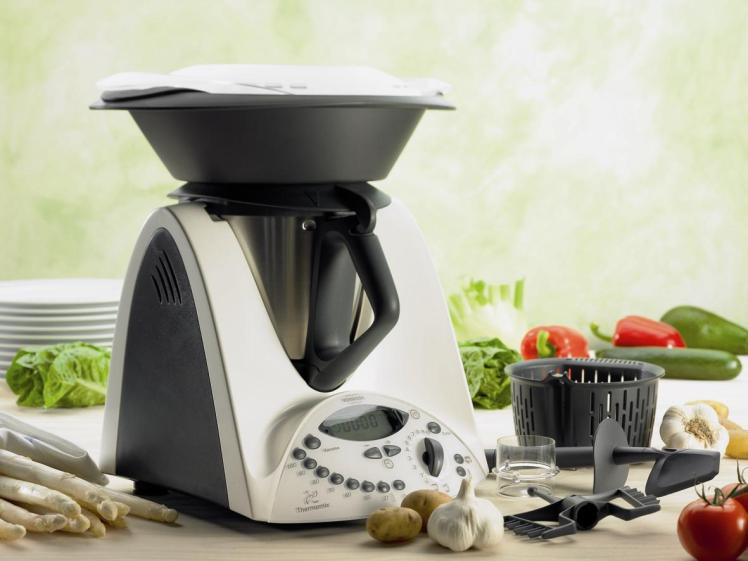 thermomix-with-new-varoma.jpg